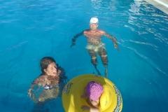 na-krétě-v-bazéně